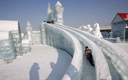 النحت على الجليد والثلج في مهرجان( هاريين )بالصين 395-5-or-1423045004