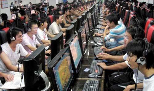 صور - شاب صيني يقطع يده للعلاج من ادمان الانترنت