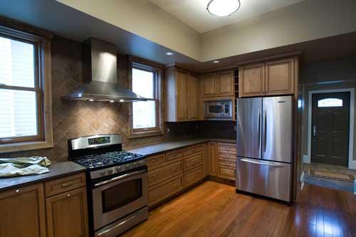 - Fabulous kitchen design and decoration using black kitchen flooring ...