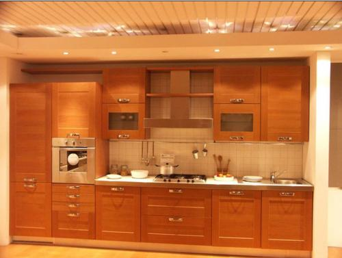 صور - دواليب مطبخ خشب ام الوميتال ايهم يناسب مطبخك ؟!