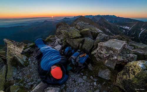 صور - اجمل مناظر طبيعية مذهلة من فوق قمم الجبال