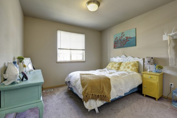 - How to arrange a small room ...