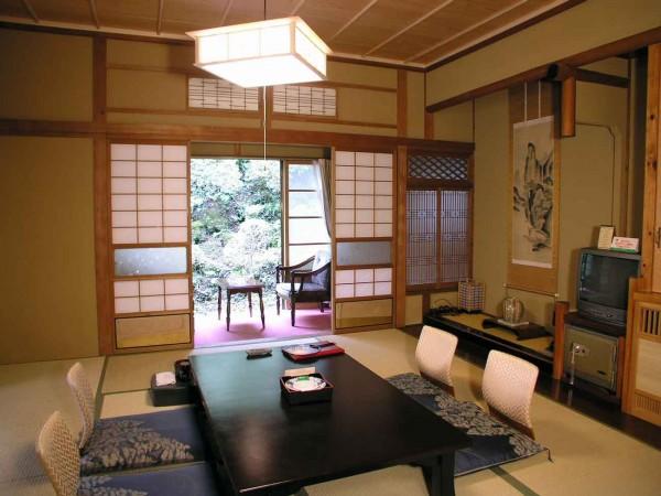 047ff32da طاولات طعام بسيطة و انيقة على الطراز اليابانى - ماجيك بوكس