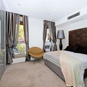 افكار ستائر غرف نوم مذهلة للمنازل العصرية بالصور