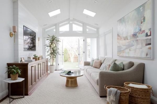 صور - غرف معيشة مودرن بفتحات للاسقف