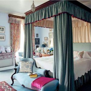 احدث ستائر غرف النوم فوق السرير