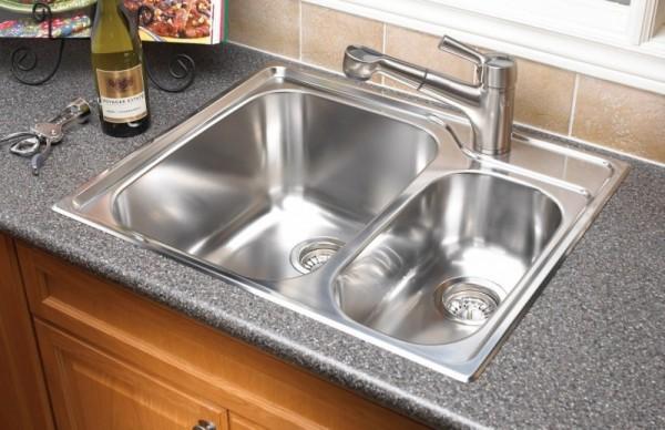 صور - كيف تختارين افضل التصاميم من حوض المطبخ ؟
