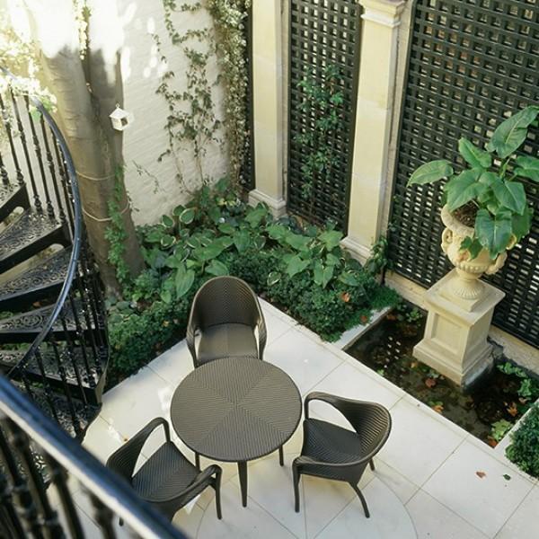 صور - طرق بسيطة لزيادة المساحة فى الحدائق المنزلية الصغيرة