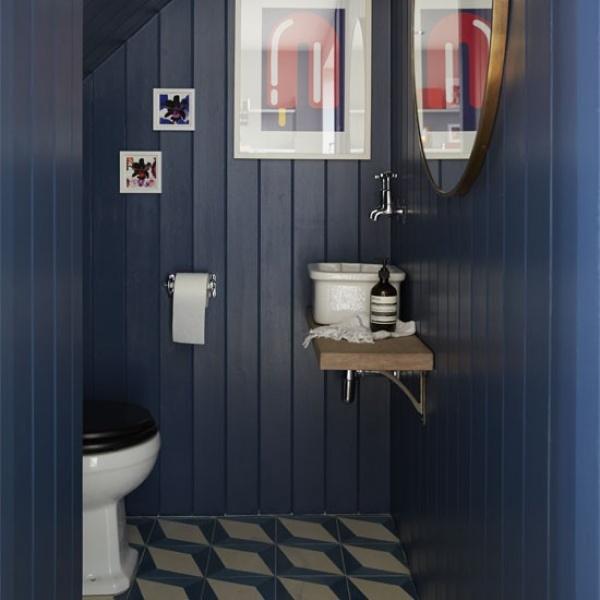 الالوان الداكنة من الافكار لتزيين الحمام