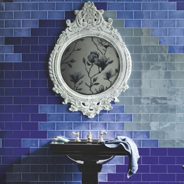 الجدران الملونة من الافكار لتزيين الحمام