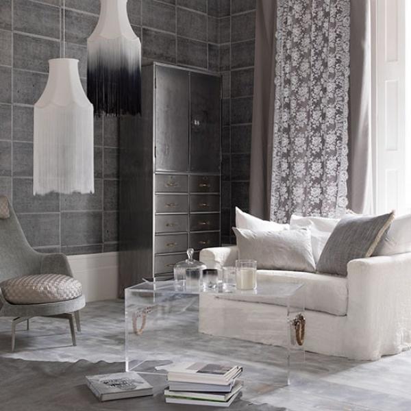 غرف الجلوس الكبيرة باللون الرمادي