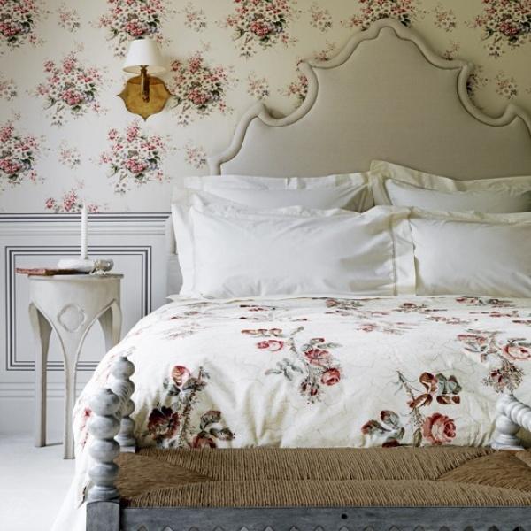 ورق الجدارن باشكال الازهار في غرف النوم الكلاسيك