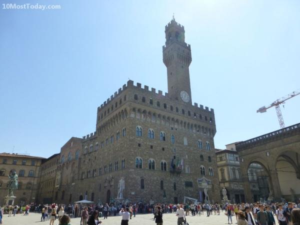 قصر فيكيو من افضل الاماكن في فلورنسا