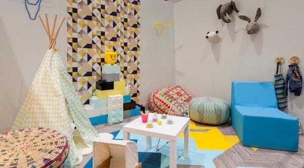 اشكال ورق الحائط 2018 بالوان البيج والاصفر والازرق