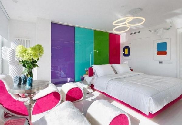 اختيار الالوان المبهجة مع اللون الابيض فى صور غرف نوم 2018