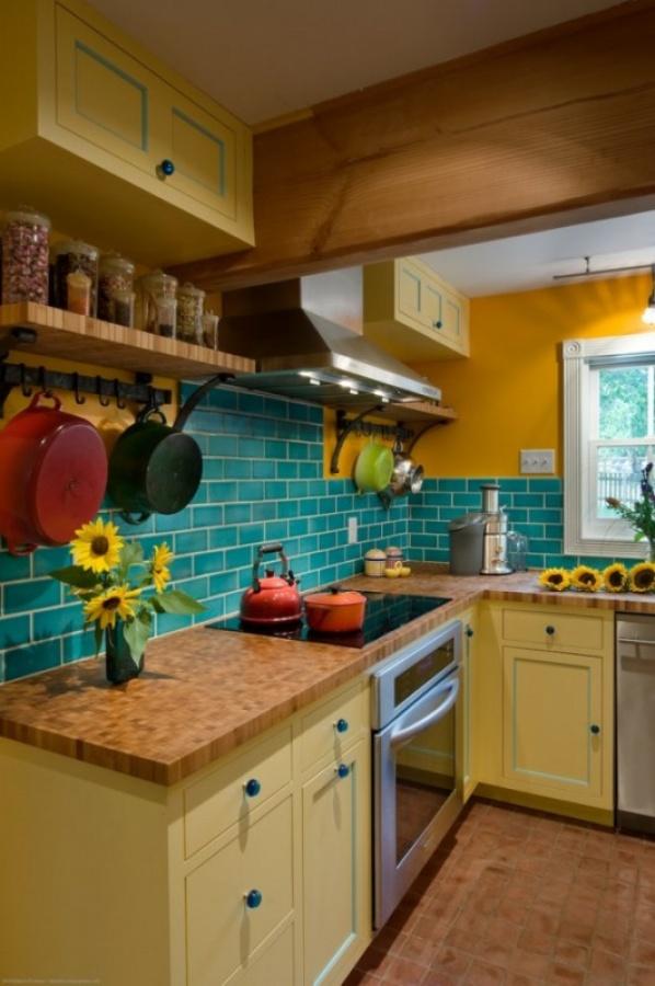 جدران المطابخ بالوان زاهية
