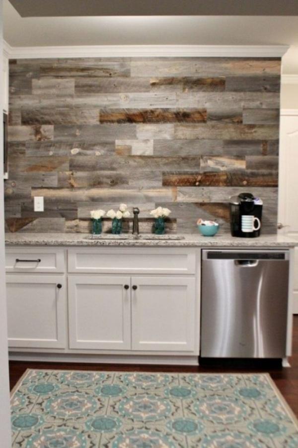 جدران المطابخ بتصاميم الالواح الخشبية الملونة