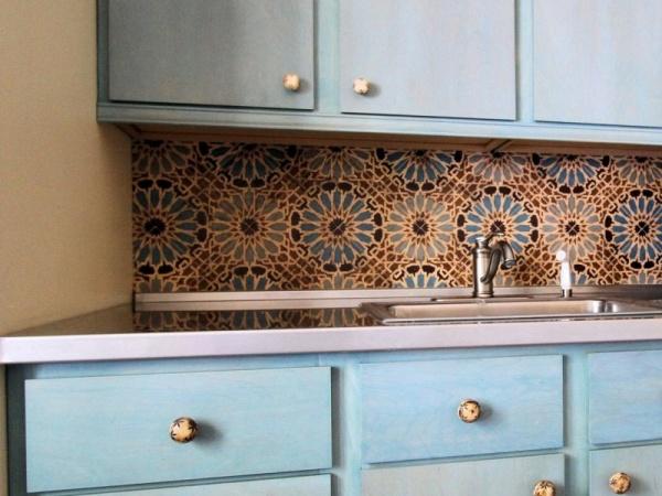 جدران المطابخ باكسبلاش بالوان زاهية