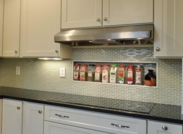 تصميمات بسيطة لجدران المطابخ