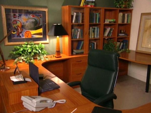 تنظيم غرفة المكتب باسلوب راقى وفاخر